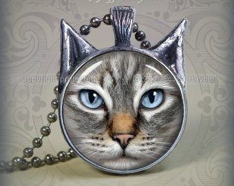 TBKG2 Grey Lynx Point Siamese Cat pendant