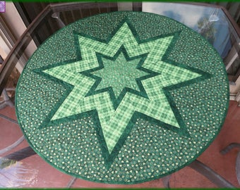 Quilted Table Topper, St Patrick Green Plaid, Round Table Decor, Kitchen Decor 682