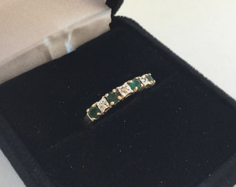 10k Diamond And Emerald Ring
