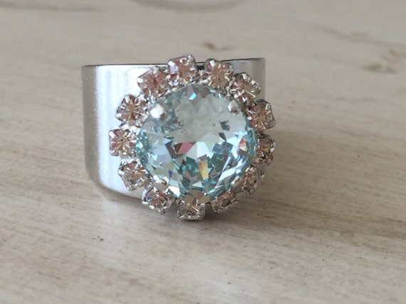 Light Azore and Clear Crystal Ring