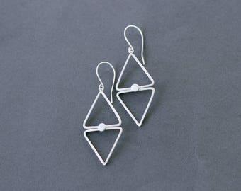 Diamant boucles d'oreilles argent en forme, double triangle énervé boucles d'oreilles, boucles d'oreilles légères géométrique
