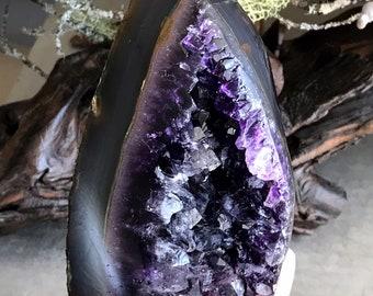 1.78 lb  deep purple amethyst geode