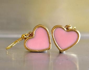 pink dangle earrings. pink heart earring. heart dangle earrings. heart earrings. romantic earrings. vintage style earrings. everyday earring