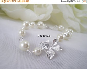 SHOP SALE Orchid and Pearls Bracelet