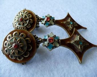 Earrings. Enamel. Chorange (France).
