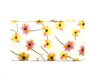 Checkbook Cover | Fabric Checkbook Cover | Checkbook Case | Bags and Purses | Wallets | Checks | Organizer | Floral | Gifts under 10 | Daisy