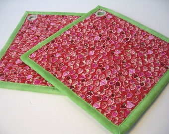 Small red strawberries quilted pot holders, Set of 2, fabric hot pads