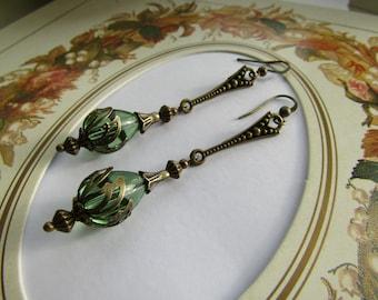 Vintage Style Peridot Green Earrings - Steampunk