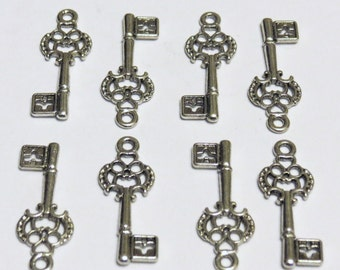 Key Charms - 24 pc - Pendant - Antiqued Silver - Lead Free - Cadmium Free - Nickel Free