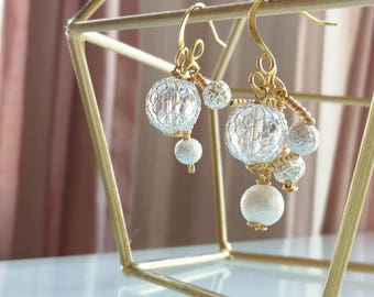 Snow white earrings ** pearl  clear beads  with golden hook