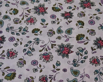 "Printed cotton fabric ""flowers"" pattern background white and green"