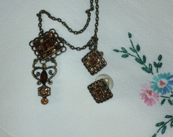 Lovely Necklace and Earring Set