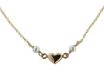 18K Yellow gold center heart with 2 pearls 13.5 inches necklace