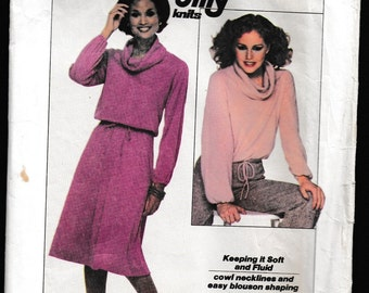 Simplicity 8162 Misses' Jiffy® Knit Pullover Top and Skirt