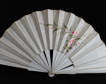 Antique 19th century cream fabric fan, decorated with painted flowers, Victorian fan, costume fan, collectors fan, vintage fan