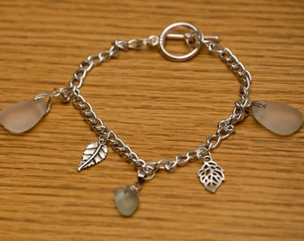 Clear and aqua seaglass bracelet