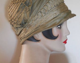 Vintage 1920 Sea Foam Green Silk Cloche