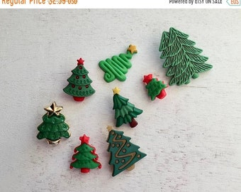 """SALE Christmas Tree Buttons, Packaged Novelty Buttons by Buttons Galore, """"O' Tannenbaum"""" Style 4686, Shank Back and Flat Button Embellishmen"""