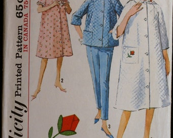 Vintage 60s Sewing Pattern  Misses Robe Top and Pants  Simplicity 5205  Sz 12
