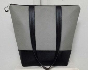"XL Insulated Lunch Bag, Vinyl Top & Base, Nylon Liner/Zipper Pocket, Work Lunch Bag,Large Capacity,Bottom Insert,Vinyl Straps 14"" Drop."