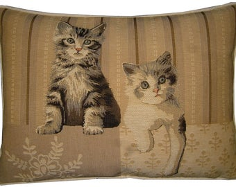 Kittens Paw Right Oblong Tapestry Cushion Pillow Cover