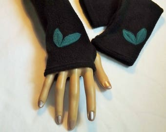 Long fingerless gloves with black fleece with Teal leaves