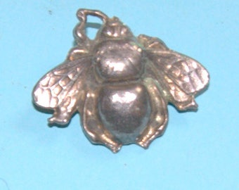 Bee the belle of the ball with this brooch