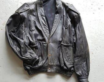 Men's vintage black leather jacket   Biker-style   Large