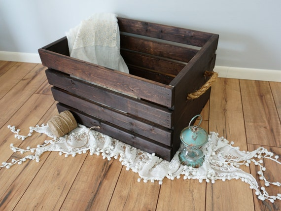 rustic wood crate with rope handles extra large. Black Bedroom Furniture Sets. Home Design Ideas