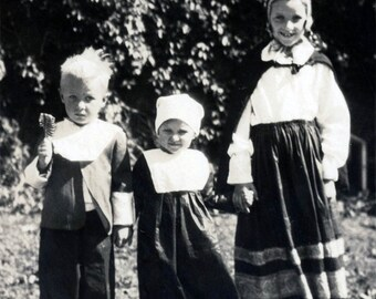 Vintage photo 1932 Children Danebod Minnesota Danish Costume