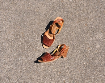 70s stacked wood wedges / 1970s woven leather sandals / ankle strap sandals 7