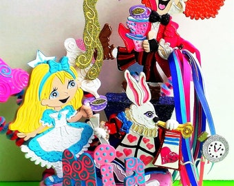 Alice in Wonderland party, Queen of hearts birthday, Alice Wonderland birthday, Mad Hatter tea party, Cheshire Cat party centerpiece