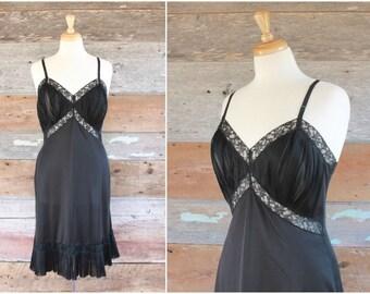 "1950s Vanity Fair slip / 50s black slip with accordion pleats / black slip dress / size 38"" l - xl"