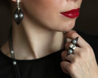 Earrings Pearl - Mesh Earrings - Contemporary Jewelry- Black Earrings- Piercing