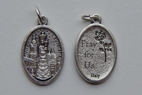 5 Patron Saint Medal Findings, Our Lady of Loreto, Die Cast Silverplate, Silver Color, Oxidized Metal, Made in Italy, Charm, Drop