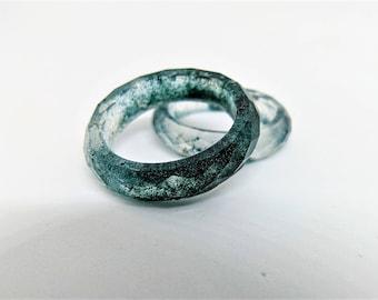 Spirulina faceted ring