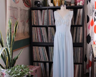 womens vintage goddess nightgown . pale blue nylon nightie . 1950s 60s lingerie, womens medium