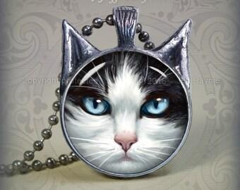TUX10B TUXEDO CAT pendant