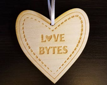 Love Ornament - Love bytes