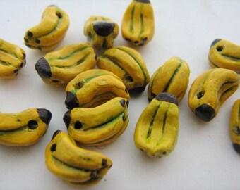 4 Tiny Banana Beads - CB242