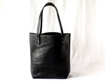 LARGE TOTE Onyx Black • Leather Everyday Bag