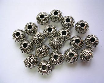 12mm X 8mm Antiqued Silver Floral Spacers Well Made Silver 20 Beads 3mm Hole  Metal Beads