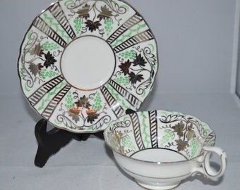 Wedgewood teacup / saucer / green / silver / grape motif / teacup and saucer /  Wedgewood / teacup / Wedgewood teacup and saucer / cup
