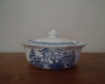 J&G Meakin Willow Covered Vegetable Dish