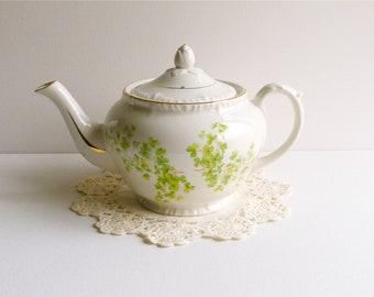 Vintage Crown Dorset 40 oz Shamrock Teapot, Made in England. Clover Teapot, Irish Teapot, Green Teapot, St Patrick's Day Teapot, Irish Tea