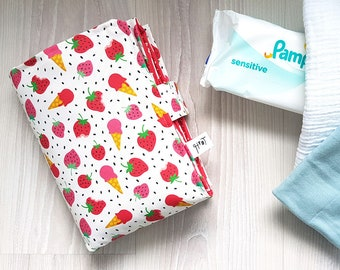 Strawberry baby changing mat, portable travel nappy clutch, waterproof change pad, verzorgingsmatje - design by Heleen van den Thillart