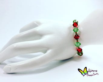 Red and Green Glass Beaded Bracelet Christmas Bracelet Holiday Bracelet Festive Bracelet Beaded Christmas Bracelet Beaded Bracelet gift