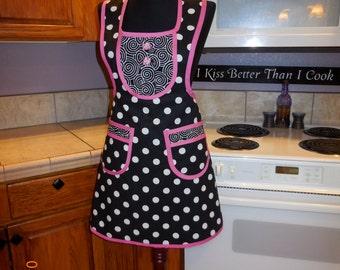 Apron, women's, full, black, white, polka dots, hot pink, halter top, bib, spunky, MATCHING POT HOLDER, hand  made by Jewellgem