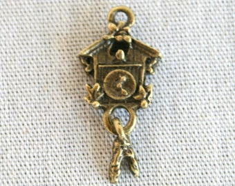 8 Antique Bronze Coo Coo Clock with Moving Pendulum Charms/Pendants