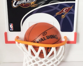 Cleveland Cavaliers NBA Basketball Cake Decorations Kit Party Favors Basketball Hoop